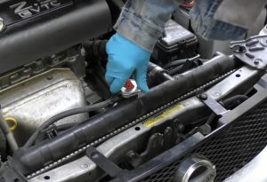 How to Stop Your Car Engine From Overheating
